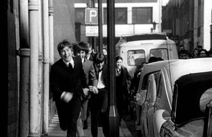 รีวิวเรื่อง A Hard Day's Night